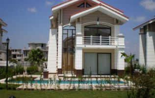 Detached villa with pool in Belek, Alanya