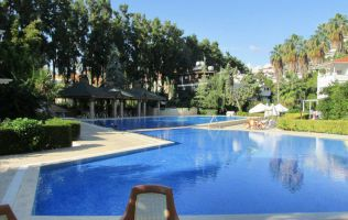 A spectacular 4 bedroom villa with direct access to the beach, Konakli, Alanya