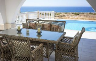 New chic furnished villa with sea view in Kyrenia, North Cyprus