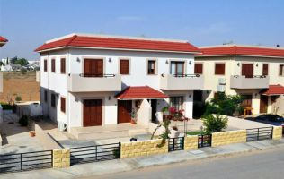 Villa in a complex with three bedrooms at a very attractive price, Famagusta, North Cyprus