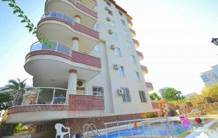 Two-bedroom apartment in walking distance from the Mediterranean Sea