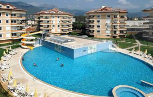 Cozy apartment with three bedrooms in a prestigious residential complex in the city of Alanya, oba