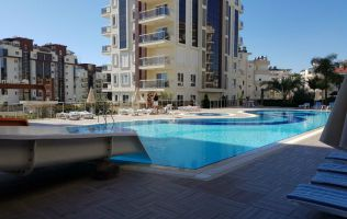 Apartment 1 + 1 in Alanya, Avsallar, overlooking the sea