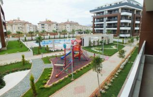 Apartment 1 + 1 in Alanya, Oba, a luxury complex