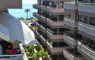 Two-bedroom apartment with a view of the sea in Alanya/Mahmutlar