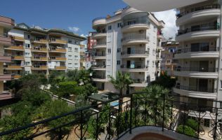 Two-bedroom apartment with a lovely view and a large balcony in Alanya/Cikcilli