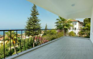 Amazing two-bedroom apartment with a stunning panorama in Kargicak