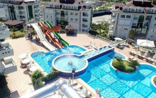 Fully-furnished two-bedroom apartment in a popular residence in Alanya