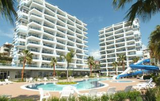 Lux two-bedroom apartment in a fashionable project in Alanya