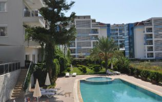 Furnished 1+1 apartment with a view of the sea in Kestel/Alanya