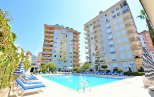 Large one-bedroom two-bathroom apartment in the centre of Alanya