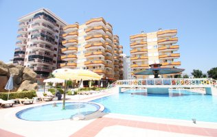 2+1 apartment in Alanya with a view of the sea, Mahmutlar