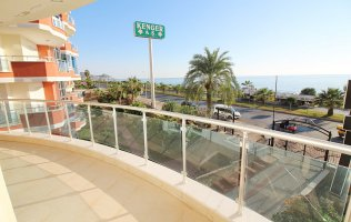 Two-bedroom apartment with a sea view in Alanya, Mahmutlar