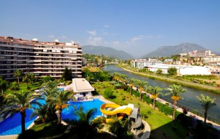 Furnished two-bedroom apartment on the riverside in Tosmur, Alanya