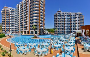 A two-bedroom apartment in Alanya, AZURA PARK luxurious residence in Mahmutlar