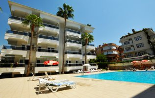 1+1 Apartment with furniture in the center of Alanya Cleopatra beach area.