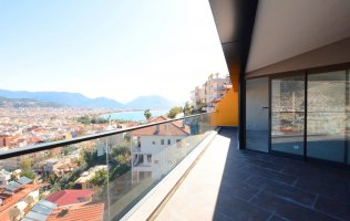 Exclusive duplexes with a sea view for sale in the center of Alanya in a famous historical place Kale