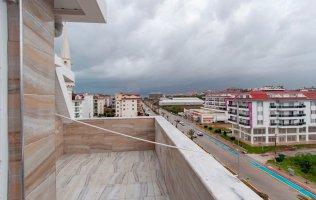 Новая двухэтажная квартира 3+1 с видом на горы в Кестеле
