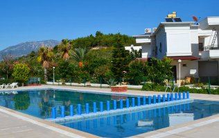 2+1 Villa in Demirtas Alanya located on the first coastline with furniture