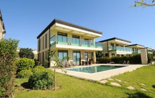 Luxury 3+1 villa with private pool and sea view in Alanya, Kargicak