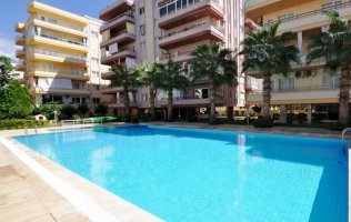 Cheap furnished 2+1 apartment on the first coast line in Alanya, Mahmutlar