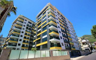 Просторная новая квартира 3+1 в комплексе люкс класса в центре Алании
