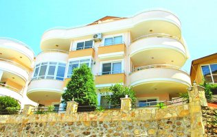 Cheap duplex overlooking the mountains and the sea in Alanya, Kargicak