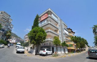 Cheap 3+1 apartment with separate kitchen in the center of Alanya