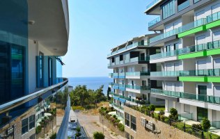 Furnished apartment with sea views in Kargicak, Alanya