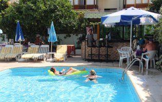 Hotel 150 m from Cleopatra beach in the center of Alanya