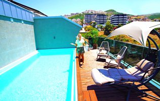 Penthouse with private pool in a luxury complex in Kargicak, Alanya
