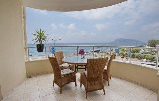 Меблированная квартира с потрясающим видом на море и знаменитую аланийскую крепость район Тосмур,Алания