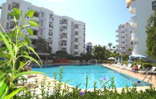 Furnished apartment on the first coastline with a sea view Mahmutlar, Alanya