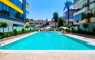 2+1 apartment in the center of Alanya with a separate kitchen