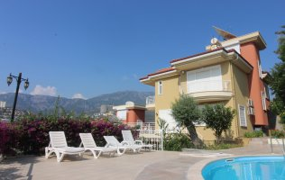 Luxury villa with a panoramic view of the nature and the Taurus Mountains